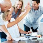 Felmérés: a munkahelyi személyes kapcsolatok fontosak a magyar munkavállalóknak