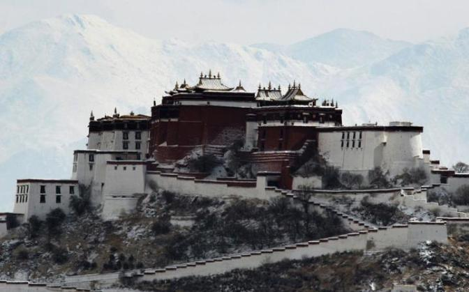 Potala-Palace-after-snow-Lhasa-ChinaPhotos_GettyImage-large
