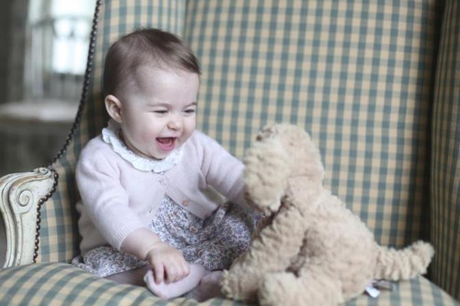 britains-princess-charlotte-seen-photograph-taken-her-mother-catherine-duchess-cambridge-november