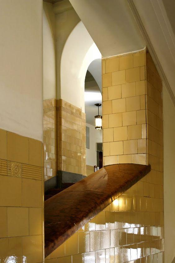 A Pesti Központi Kerületi Bíróság lépcsőháza. Most egy hónapig nem sokan járnak majd arra.