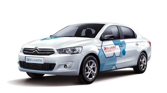 A Citroën a Pekingi Autóshow alkalmával, kínai partnerével, a Dongfeng-gel együtt mutatta be a C-Elysée alapjaira épített elektromos változatot, az E-Elysée-t, amely akár 250 kilométert is megtehet villamos módban. A gyorstöltővel fél óra alatt 100%-ra növelhető az elektromos potenciál.