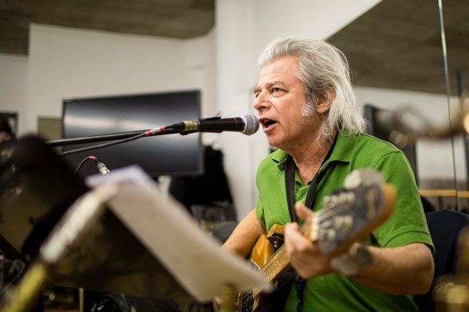 Budapest, 2016. július 19. 68 éves korában meghalt Somló Tamás zenész, énekes, dalszerzõ, az LGT tagja. A felvétel 2013. január 21-én a II. kerületi Klebelsberg Kultúrkúriában készült egy próbán. MTI Fotó: Mohai Balázs