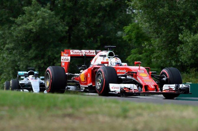 Mogyoród, 2016. július 22. Sebastian Vettel, a Ferrari csapat német versenyzõje a Forma-1-es Magyar Nagydíj elsõ szabadedzésén a mogyoródi Hungaroringen 2016. július 22-én. MTI Fotó: Kovács Tamás