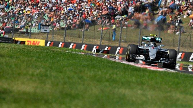 Mogyoród, 2016. július 24. Nico Rosberg, a Mercedes csapat német versenyzõje a Forma-1-es Magyar Nagydíjon a mogyoródi Hungaroringen 2016. július 24-én. MTI Fotó: Czeglédi Zsolt