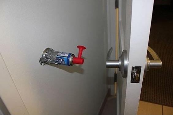 Építs be egy légkürtöt a szobájába ajtókitámasztónak