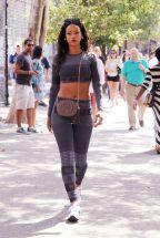 Rihanna kissé behízott
